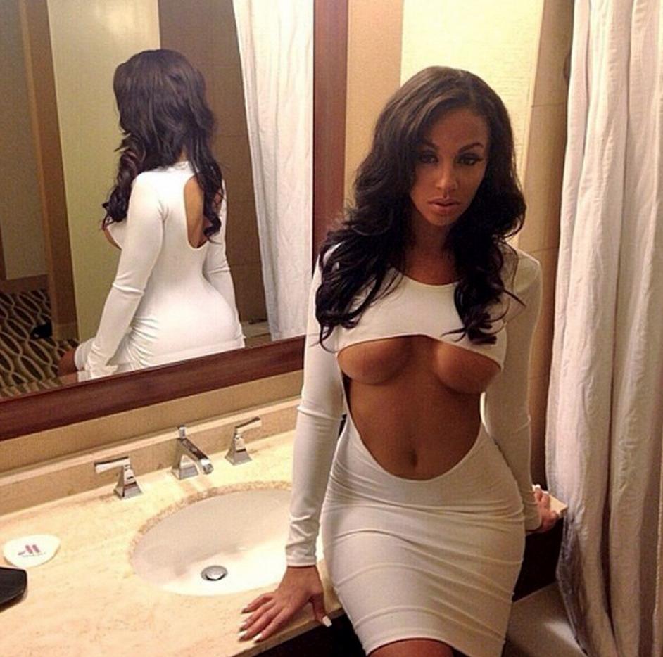 Смотреть картинки про грудь у девушек без лифчика 16 фотография